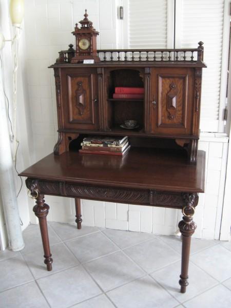 gr nderzeit schreibtisch mit aufsatz artikel details antik alteschmiede. Black Bedroom Furniture Sets. Home Design Ideas